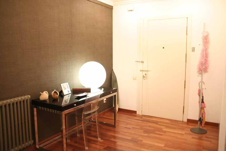 5 bedroom apartment for sale in sant gervasi for Five bedroom apartments