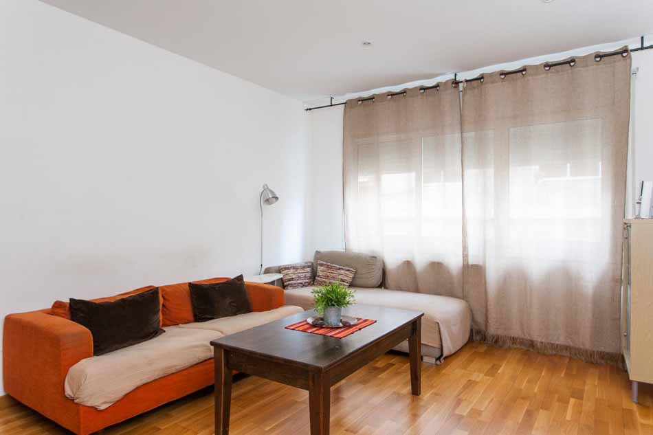 Tourist licence 3 bedroom apartment for sale in Barcelona Sants District