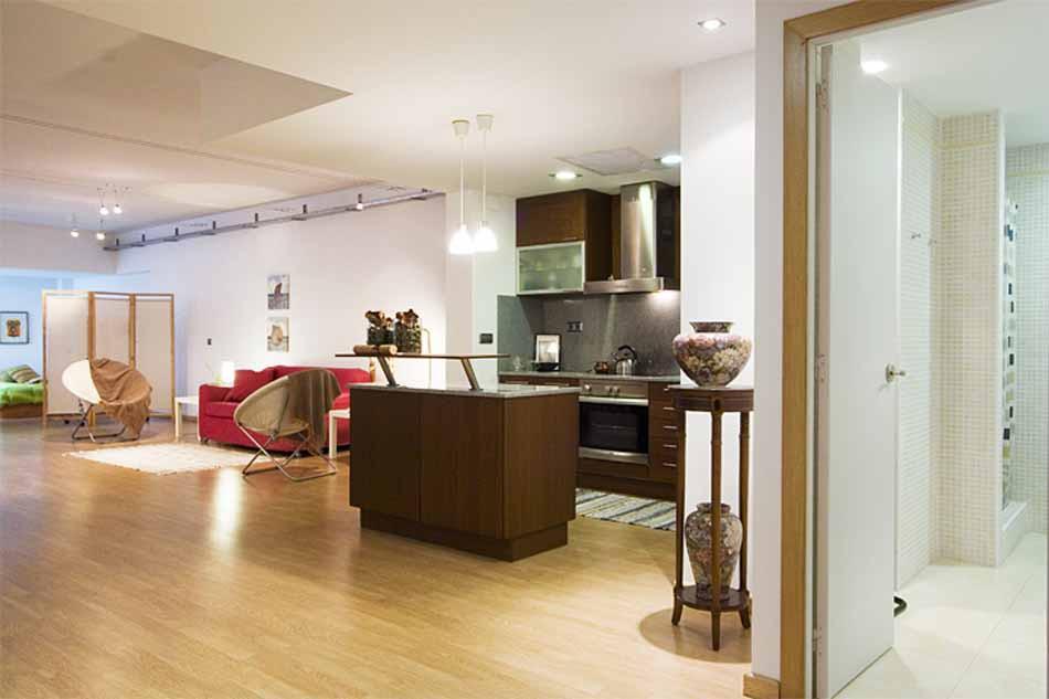 Mid Term apartment rental by Plaza Universitat Barcelona