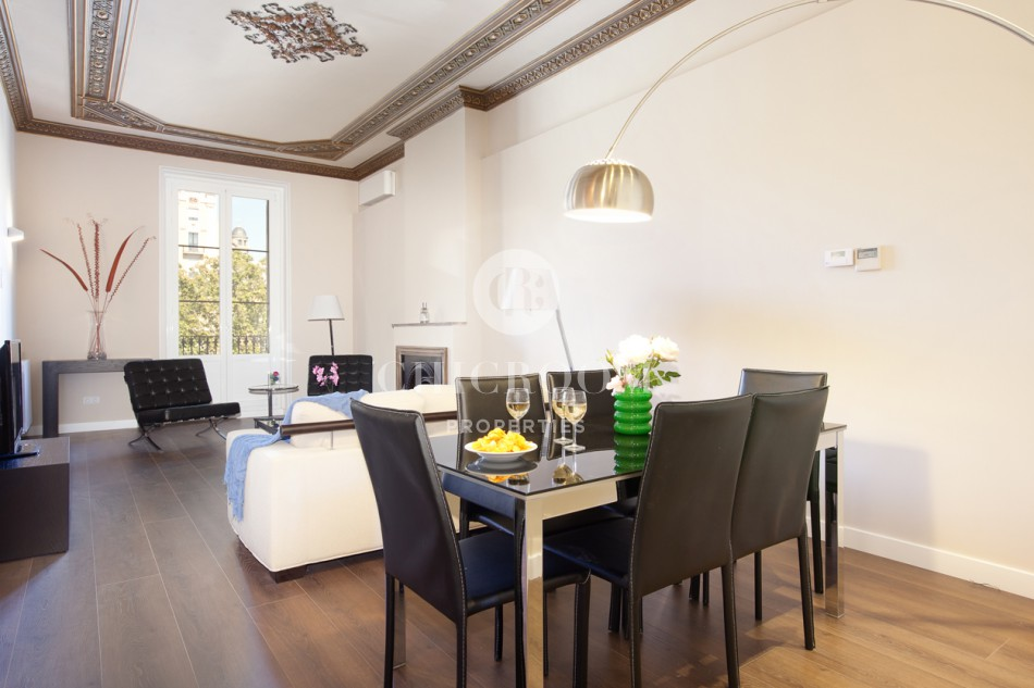 Furnished 3 bedroom apartment mid term rental in Barcelona