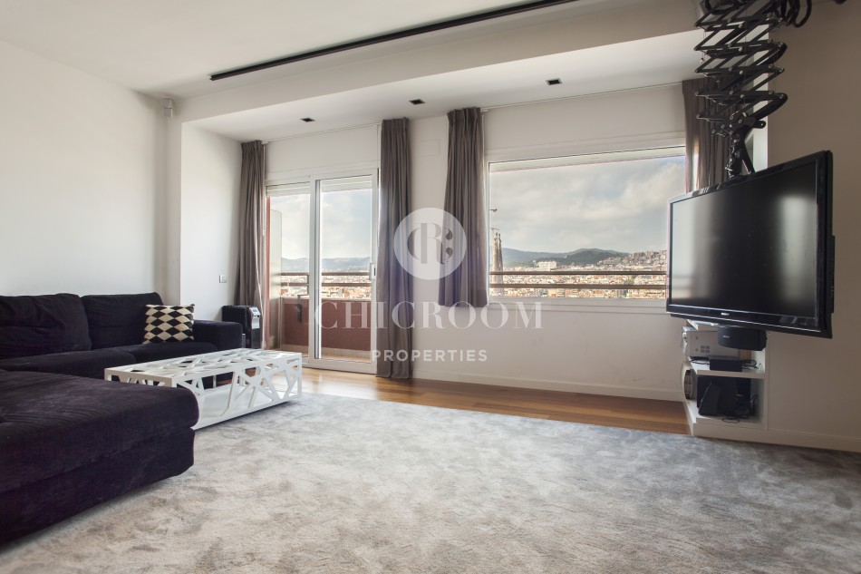 Duplex penthouse for rent with views by Monumental Barcelona