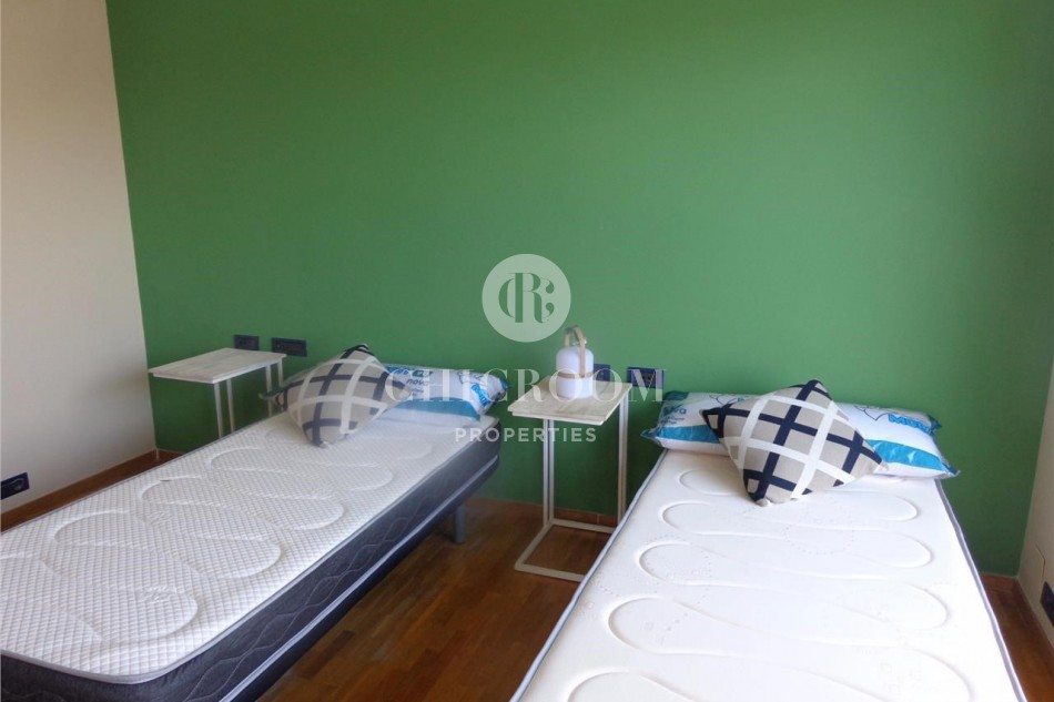Three bedroom furnished apartment for rent by the Ramblas Barcelona