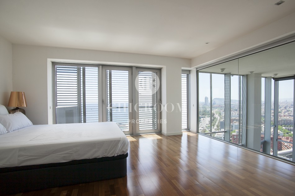 Mid term apartment for rent with sea views in Diagonal Mar Barcelona