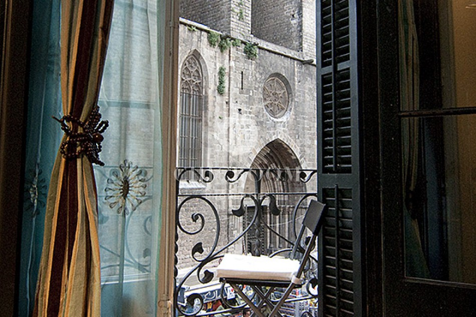 Two bedroom apartment for rent in the Gothic Quarter