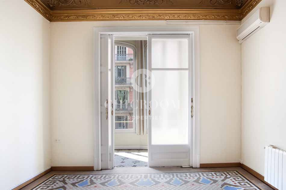 5 bedroom apartment for sale in eixample barcelona for Five bedroom apartments