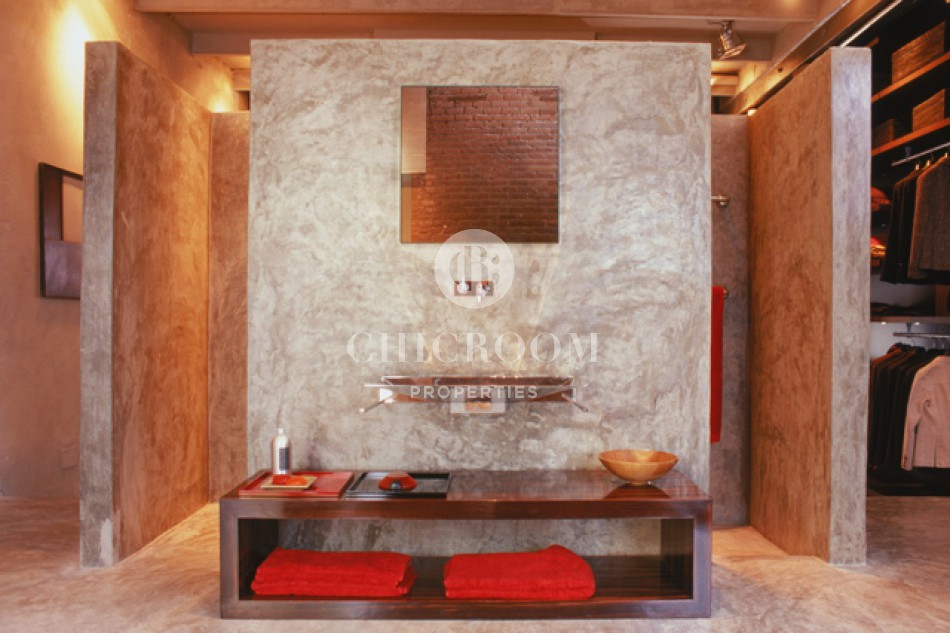 2 Bedroom furnished loft for sale in Eixample Barcelona