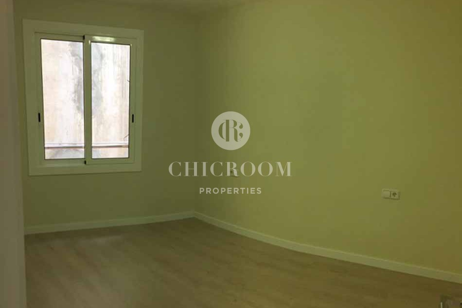 Unfurnished 3 bedroom apartment for rent in Barcelona Eixample Esquerra