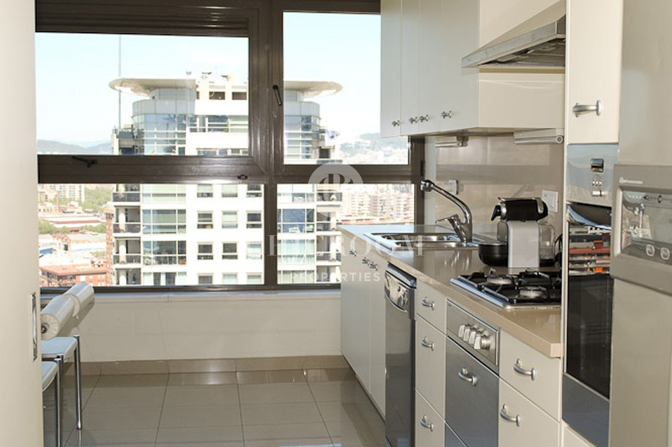 Penthouse for rent with sea views in Barcelona Illa del Llac
