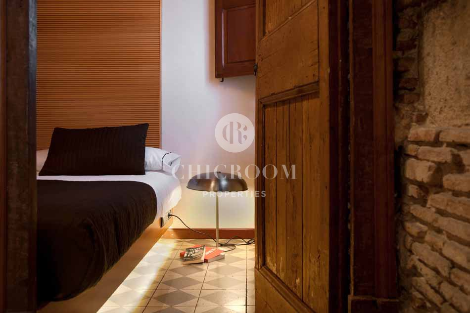 Furnished 3 bedroom apartment for rent in Barcelona gothic quarter