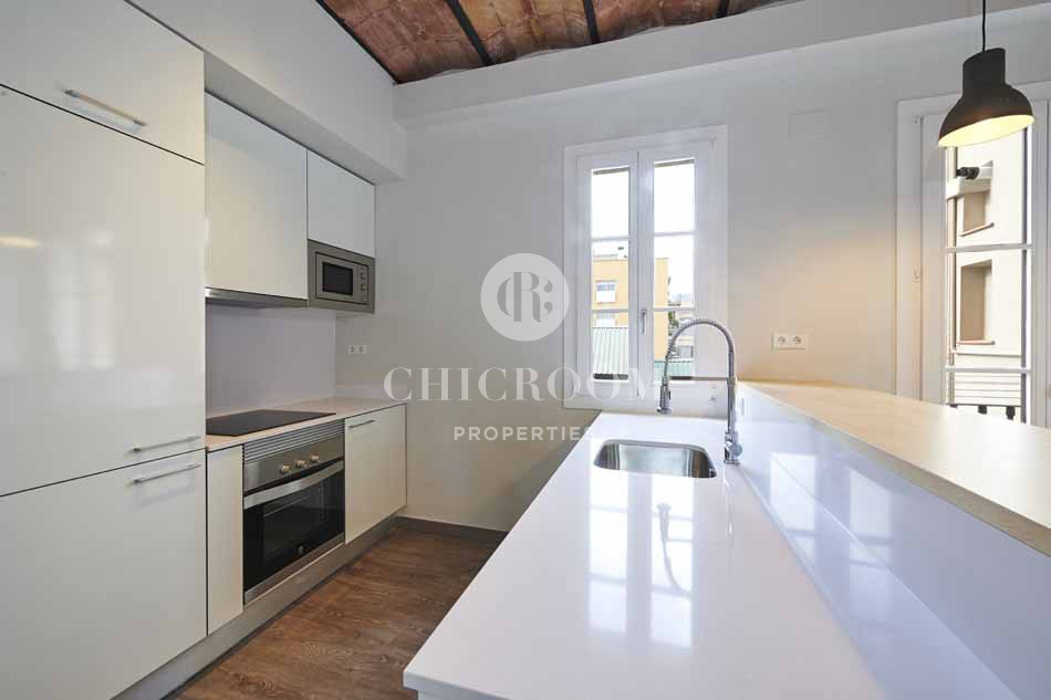 Renovated unfurnished 2 bedroom apartment for rent in Eixample
