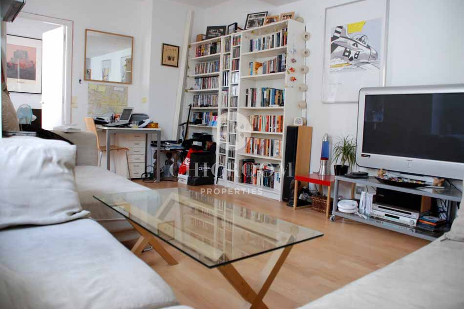 Furnished 1 bedroom flat with terrace to let in the Gothic District