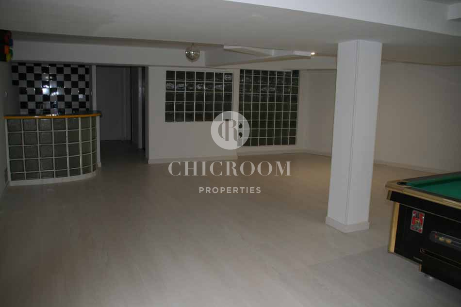 Unfurnished 5 bedroom villa with pool for sale in Pedralbes