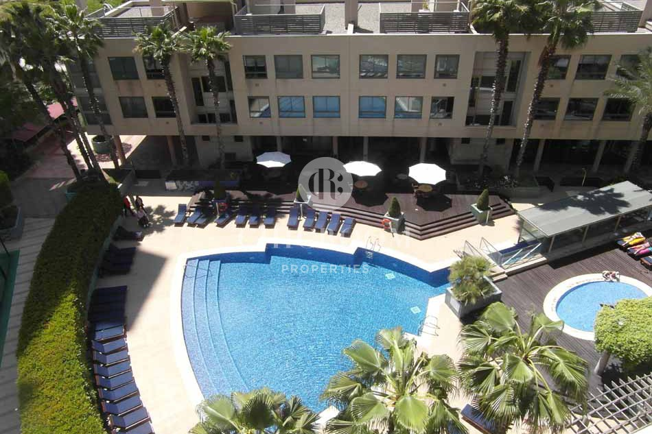 3 bedroom flat with terrace and pool in Diagonal Mar