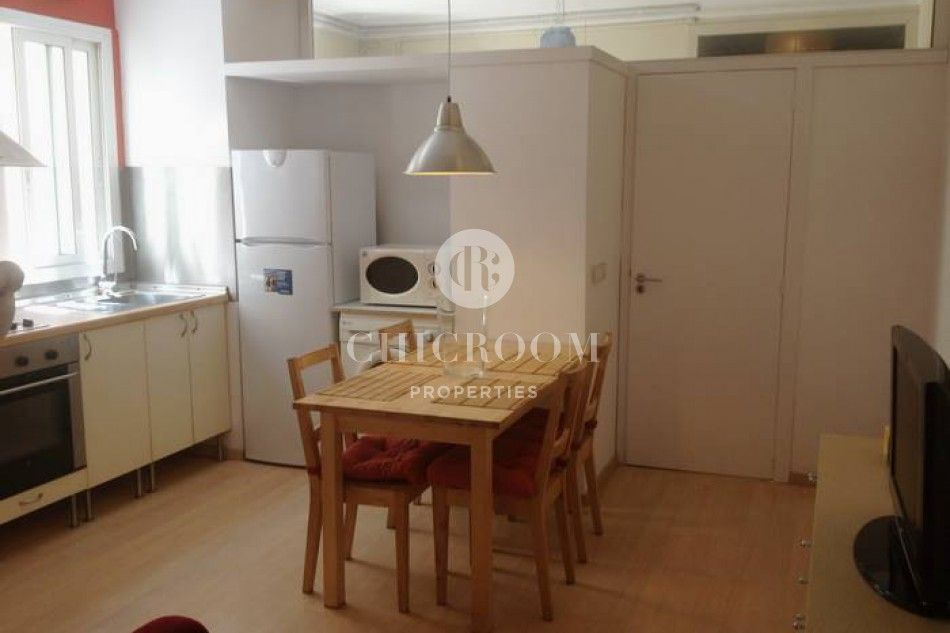 Furnished 2 bedroom apartment with wifi for rent in Eixample