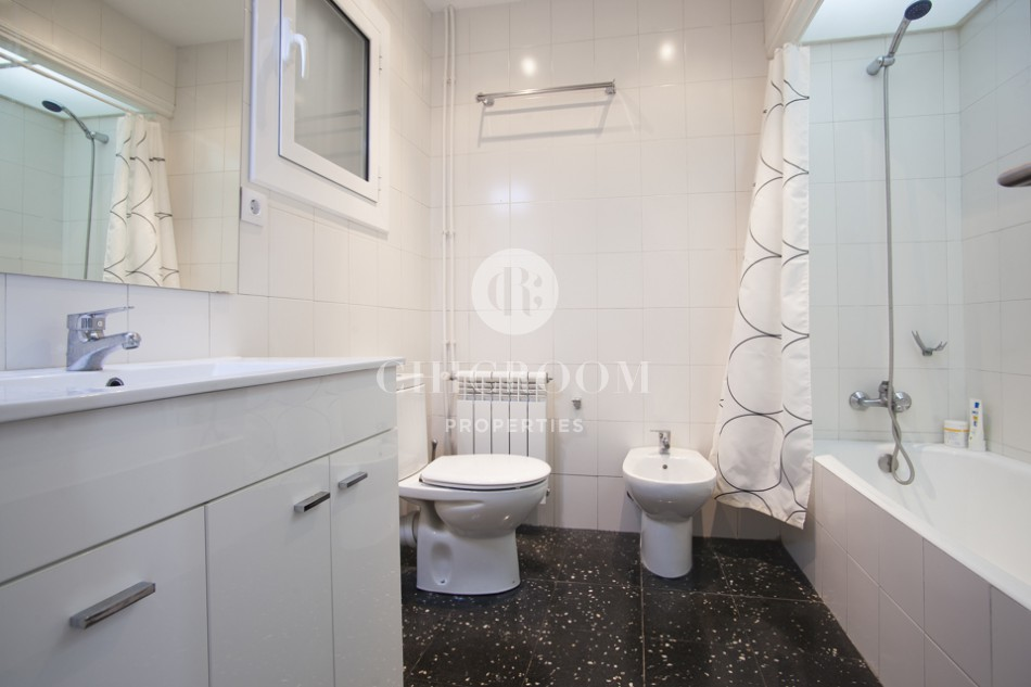 Unfurnished 3 bedroom apartment for rent in Eixample