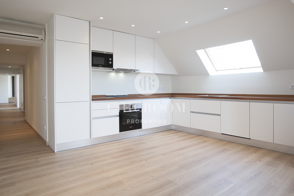 Unfurnished 2 bedroom flat for rent long term in the Eixample