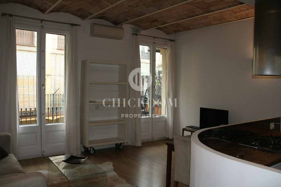 2 bedroom furnished flat for rent El Born