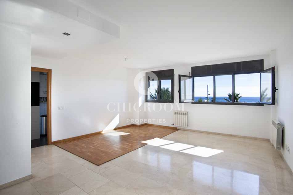 2 bedroom apartment with sea views for rent in Diagonal mar