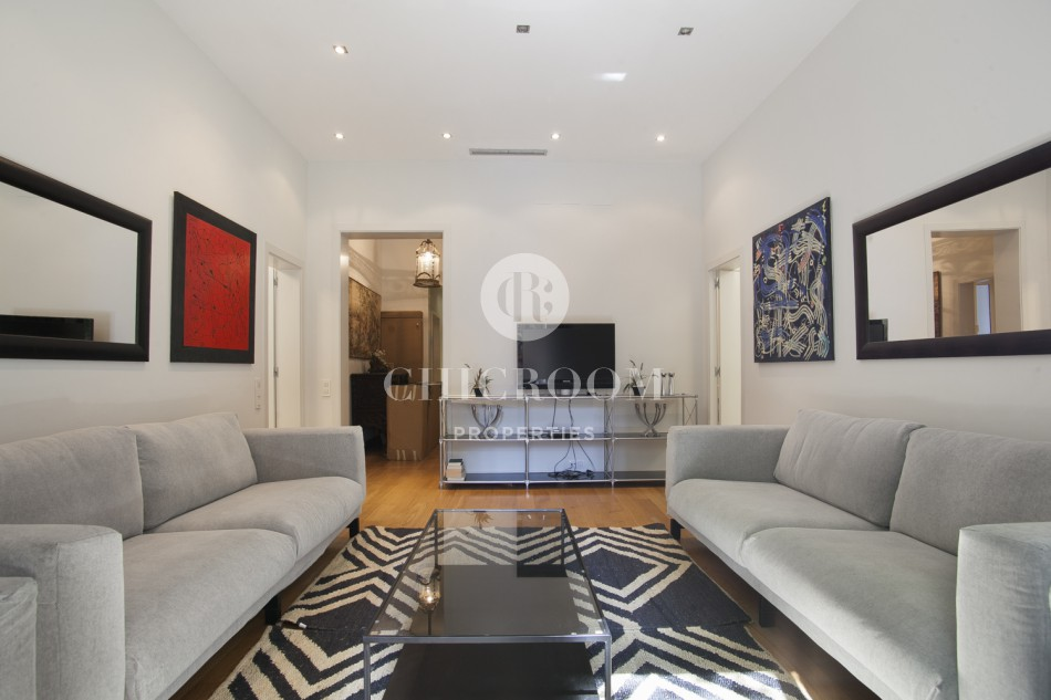 Furnished 5 bedroom for rent in the Gotico quarter