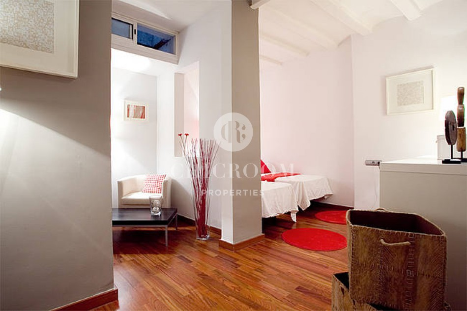 Furnished 3 bedroom apartment for rent in El Born
