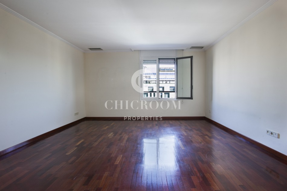 Unfurnished 2 bedroom flat for rent near Paseo de Gracia