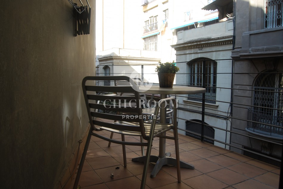 1 bedroom flat with balcony for rent Gothic Quarter