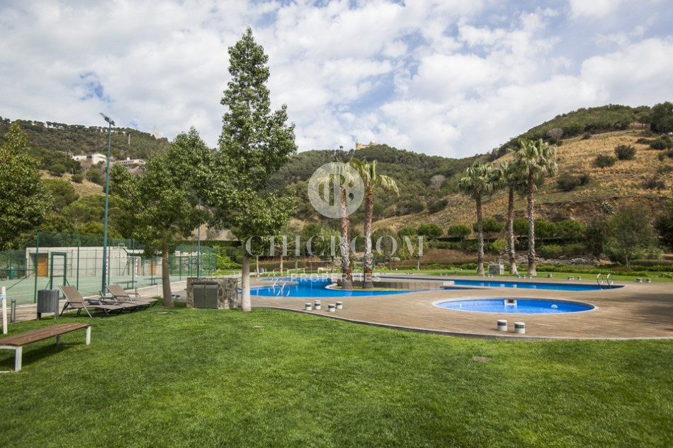 4 Bedroom apartment for rent Sarria pool garden