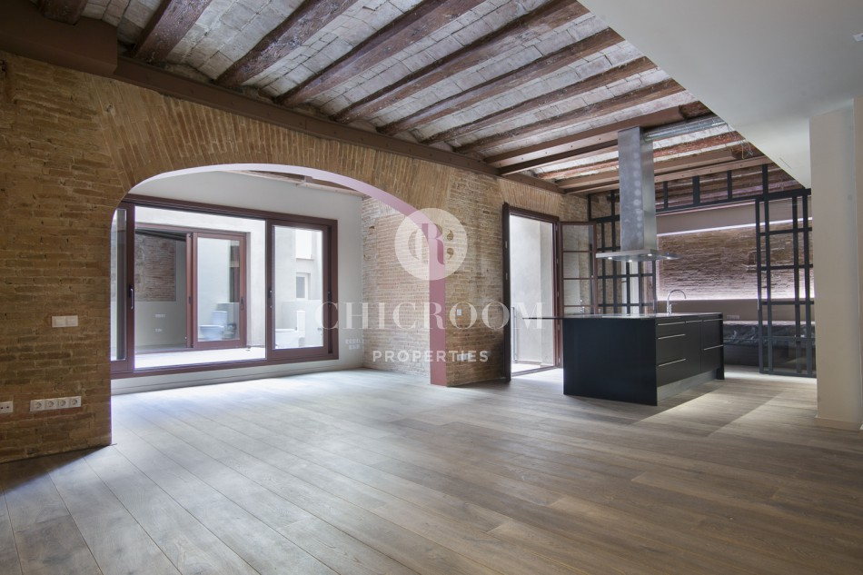 2 Bedroom Loft For Rent With Terrace In The Raval