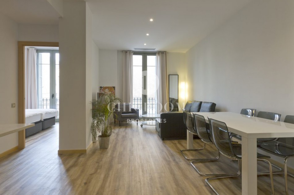2 bedroom apartment for sale in Eixample with tourist licence
