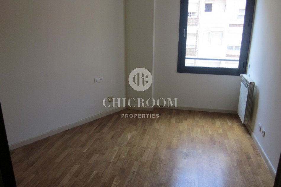 4 bedroom flat to let Eixample terrace