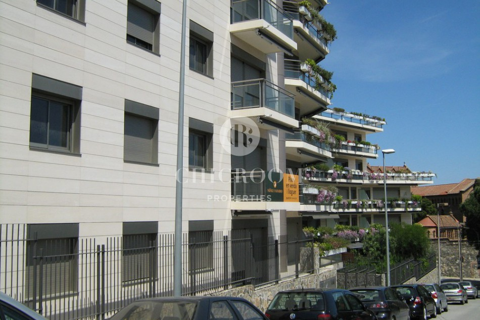 Unfurnished apartment for rent Sant Gervasi