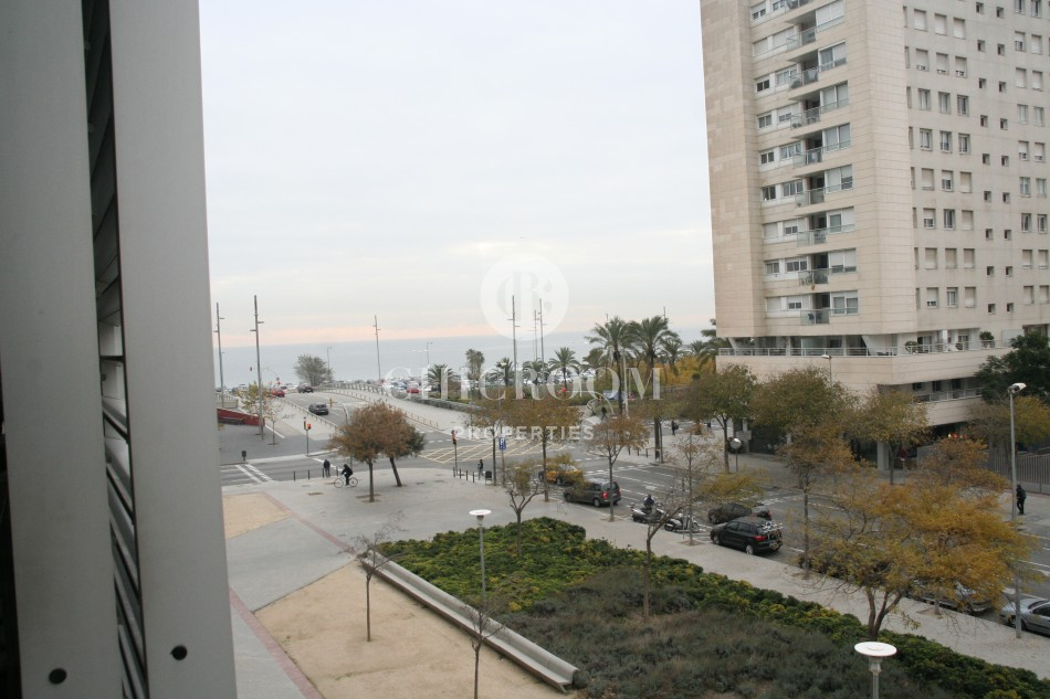 Furnished 3 bedroom apartment for rent terrace Diagonal Mar