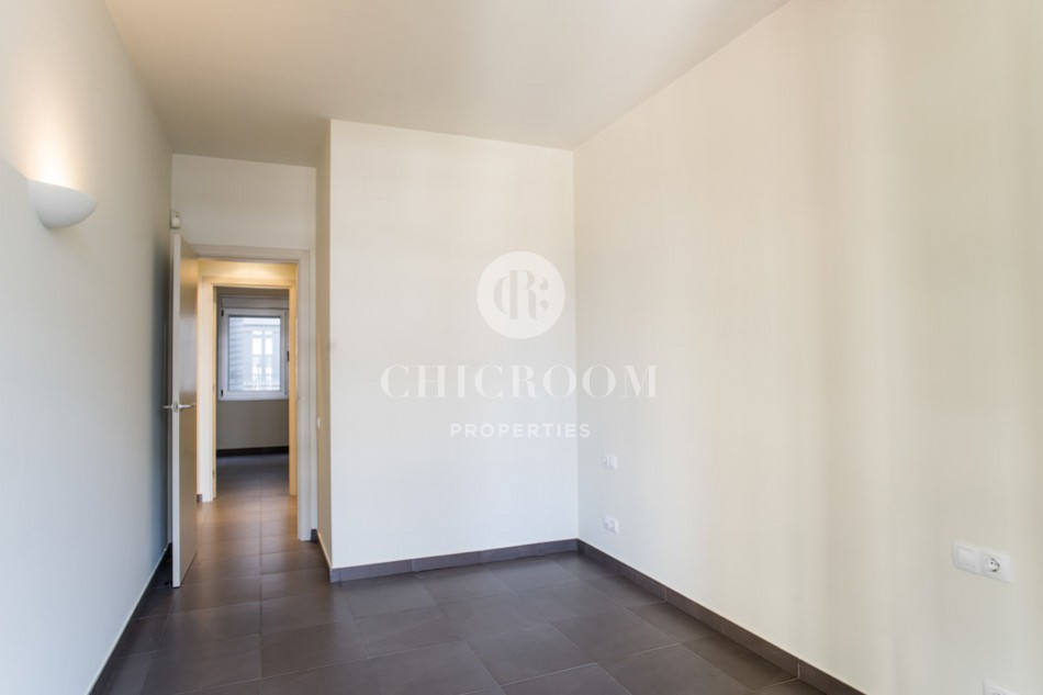 Unfurnished 2 bedroom apartment for rent Eixample