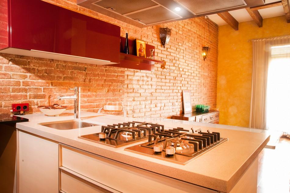 2 Bedroom apartment for rent Eixample balcony