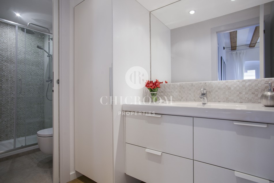 Mid term 1 bedroom flat with terrace for rent in Barcelona Gothic