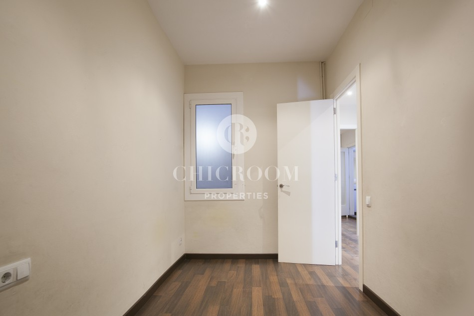 5 Bedroom Apartment For Rent In Eixample