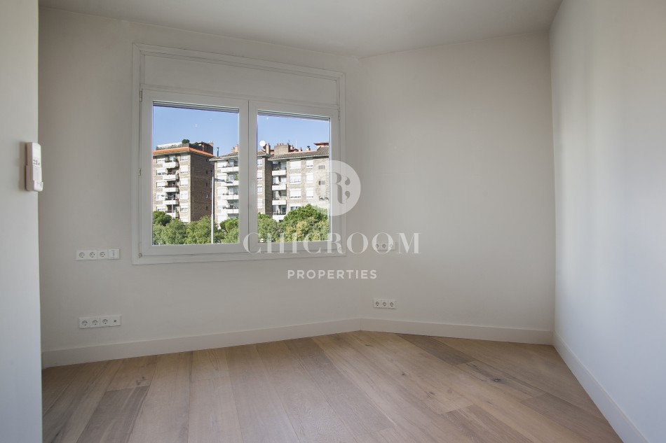 Unfurnished 3-bedroom apartment for rent terrace sarria barcelona