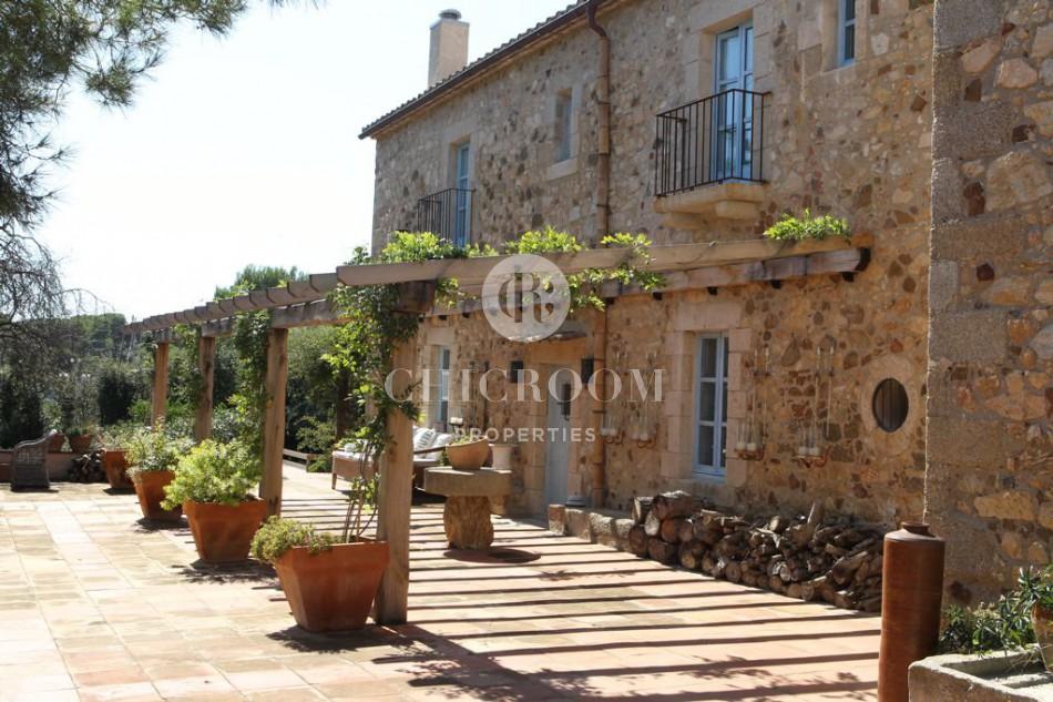 Farmhouse for sale in Calonge