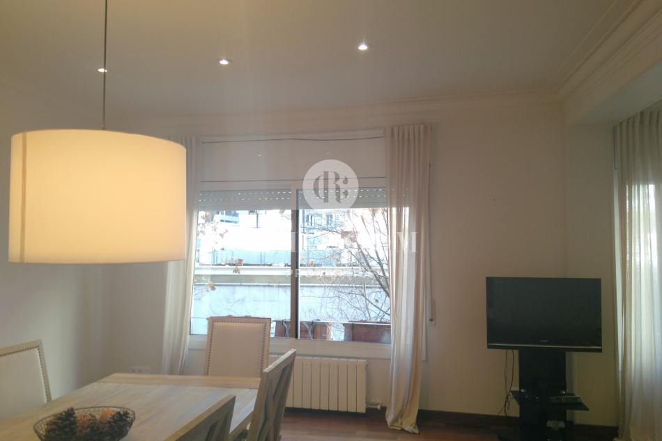 Semi-furnished 4-bedroom apartment for rent Les Corts Barcelona