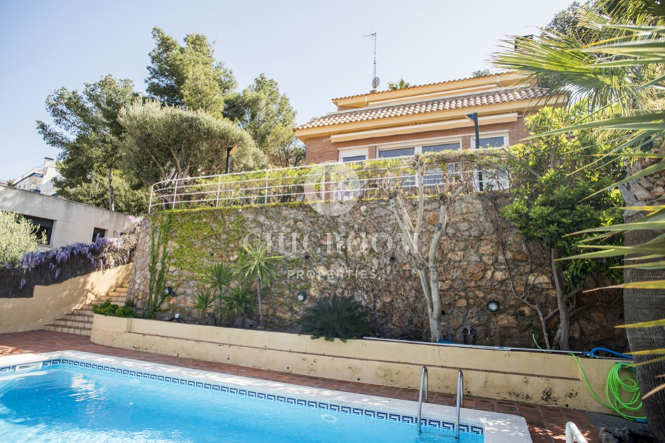 House with pool for rent in Castelldefels