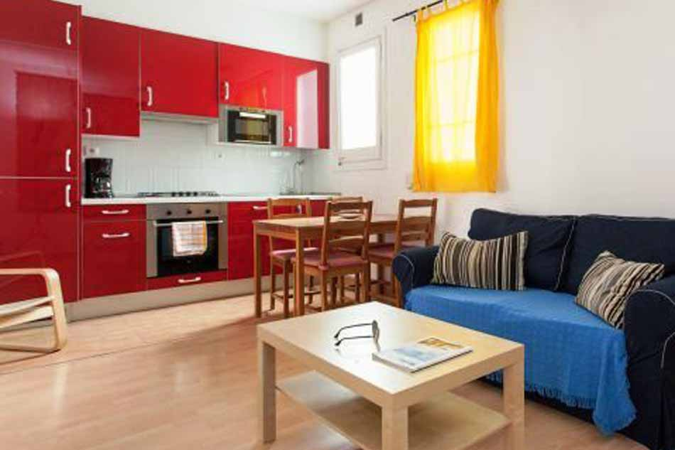 3 Bedroom apartment for sale in Barcelona with tourist licence