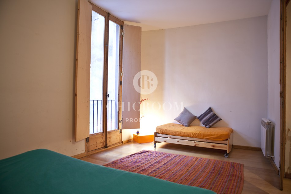 5 bedroom apartment for sale in barcelona gothic for Five bedroom apartments