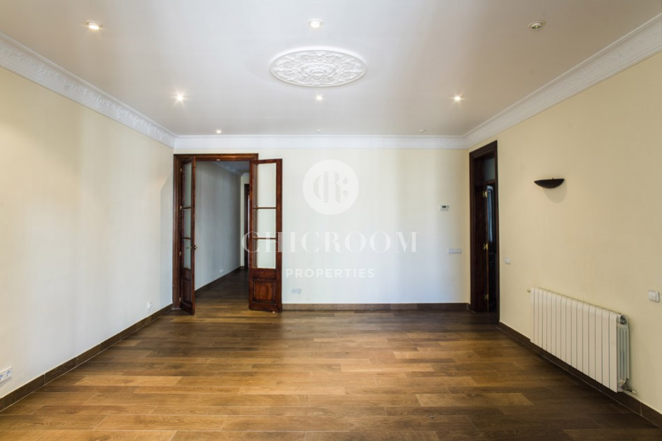Modernist 3-bedroom apartment for rent in Eixample Barcelona