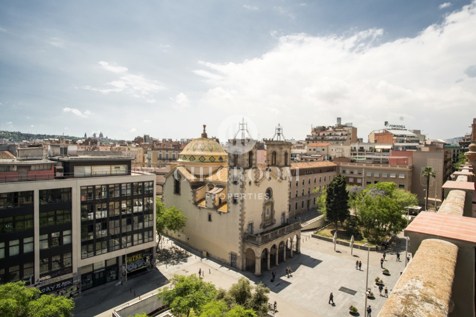 2-bedroom penthouse for rent in Barcelona centre