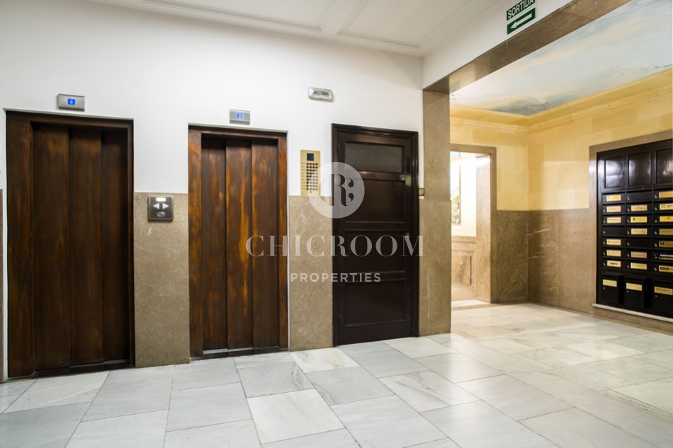 Office for sale with living space Eixample Barcelona