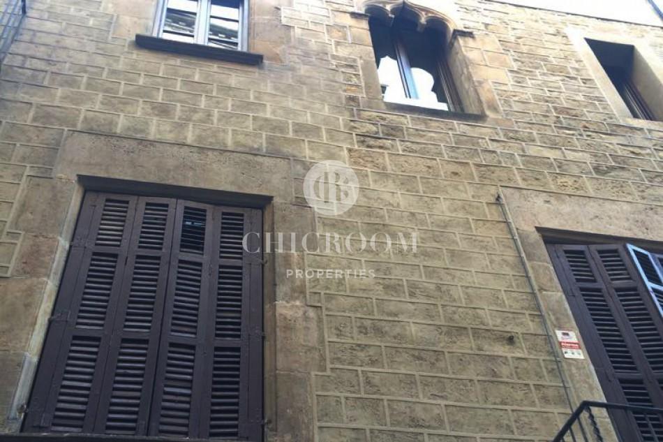2-bedroom apartment for rent with patio El Born Barcelona