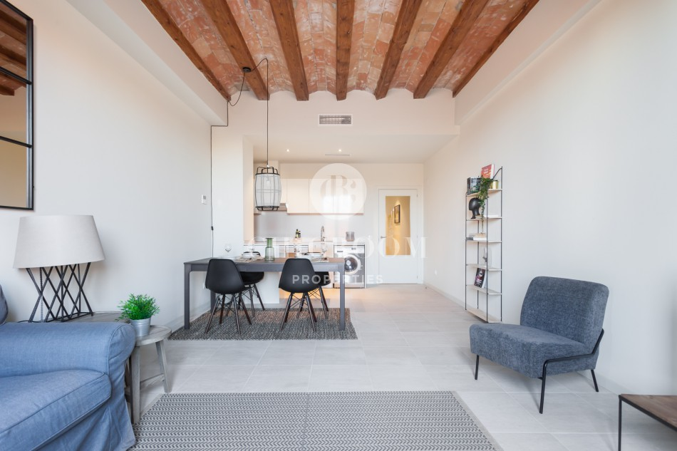 Mid-term 2-bedroom apartment for rent El Born Barcelona