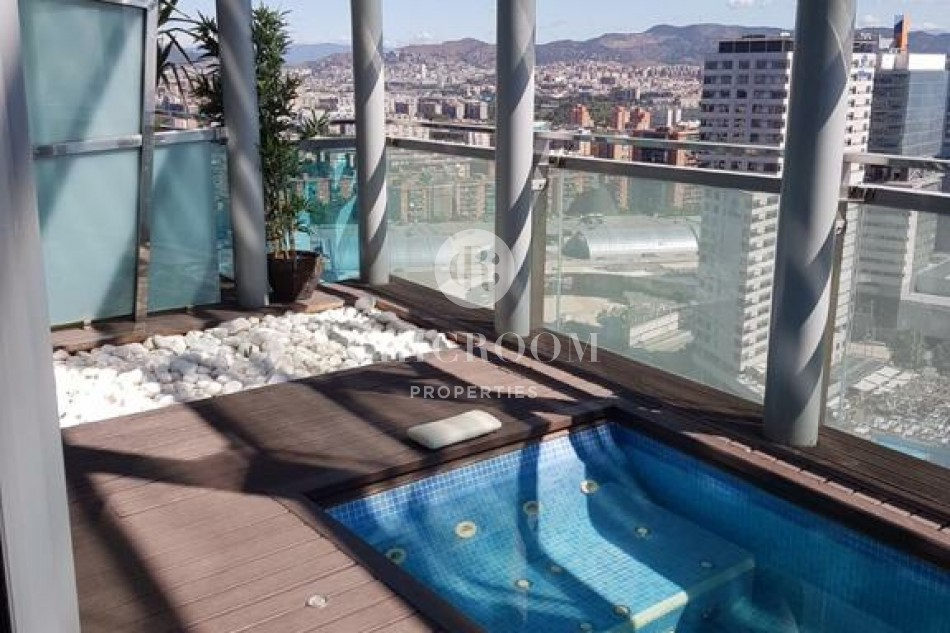 Luxury duplex penthouse with pool for rent in Barcelona