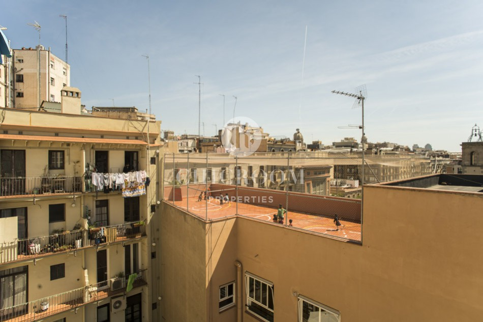2-bedroom apartment with terrace for sale Sant Antoni Barcelona