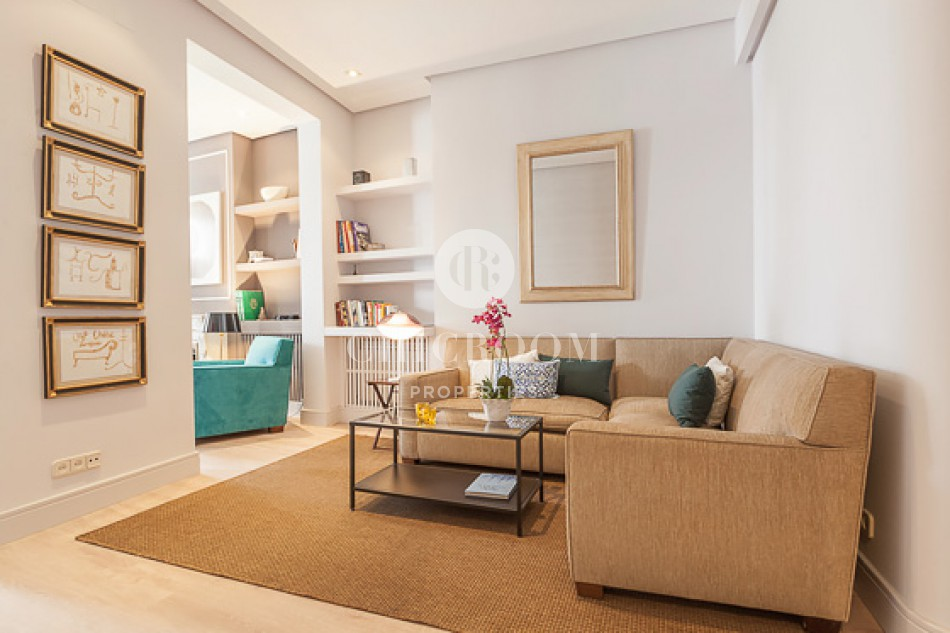 2-bedroom designer apartment for rent in Madrid centre